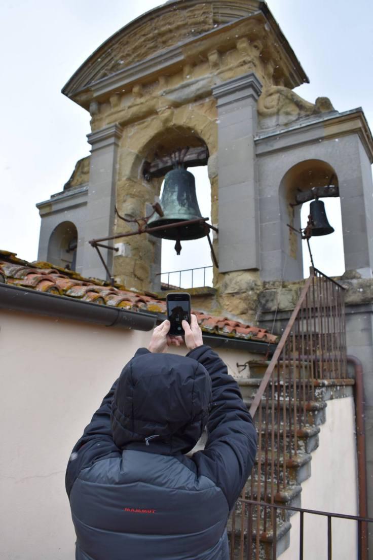 Tourist photo stop in Arezzo.