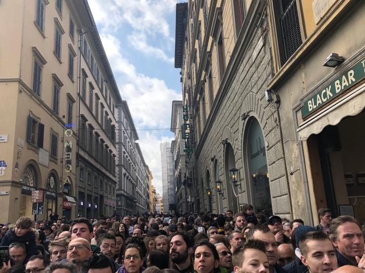 The crowd at Il Scoppio del Carro.